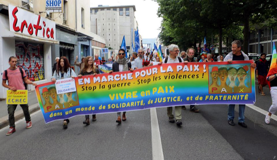 800 personnes à la marche pour la paix