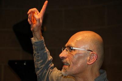 Jacques Mozet joue pour la paix